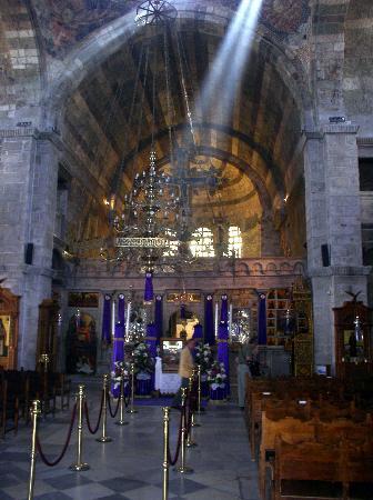 Parikia, Grecia: Der dreischiffige Innenraum