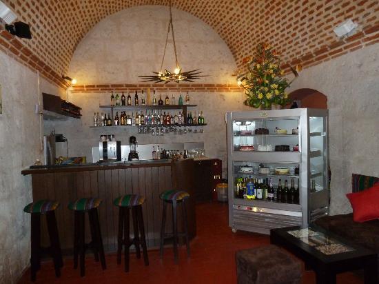 Cafe Bar Señor Misti: main room with bar