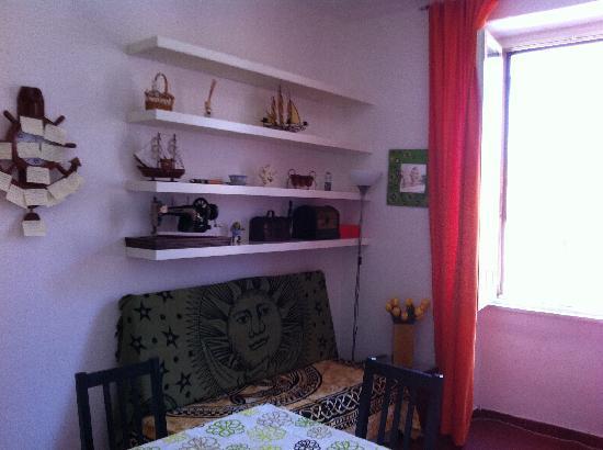 Sixbeds: divano e sala