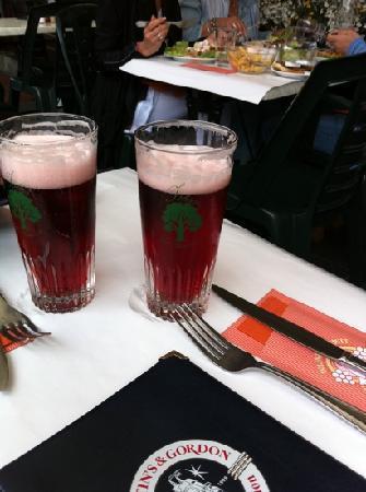 Overijse, Belgia: the cherry beer krieg