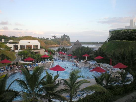 Royal Decameron Mompiche: Area central del hotel