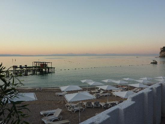 Club Med Kemer: La plage: La Pinède (endroit calme du village). Idéal pour se reposer la journée