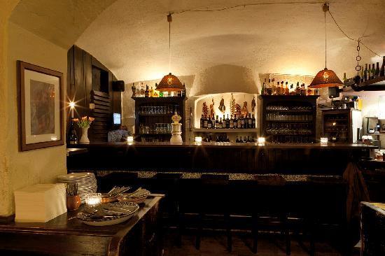 Bodega Dali: Bar