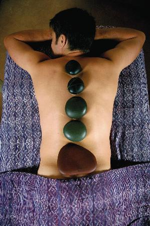 Absolute Nirvana Spa & Gardens: Hot Stone treatments available, along with Thai and Deep Tissue