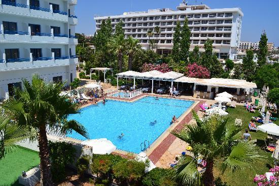 Iliada Beach Hotel: Pool