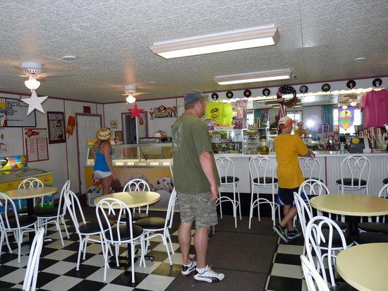 Tangier Island: Spanky's Ice Cream Parlor