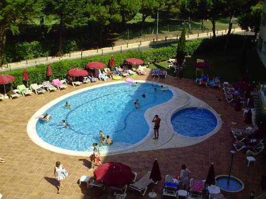 Alpinus Hotel: One of the hotel swimming pools
