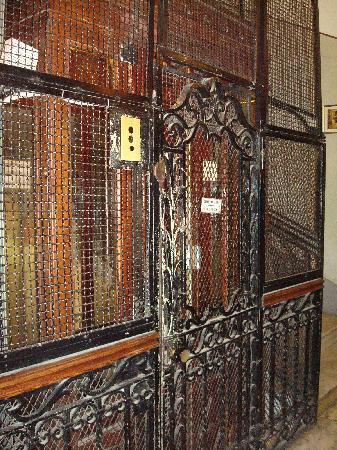 Terni Hotel: The elevator