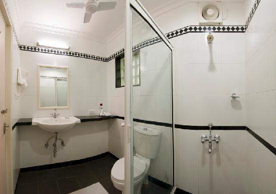 Grand Hotel Agra: Bathroom