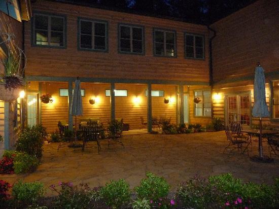 Mountain Laurel Rest Picture