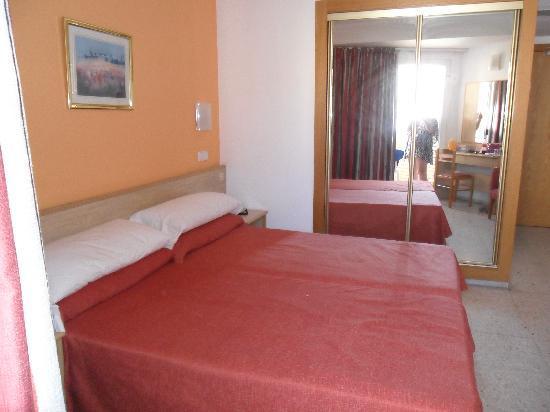 MedPlaya Hotel Riudor: the room