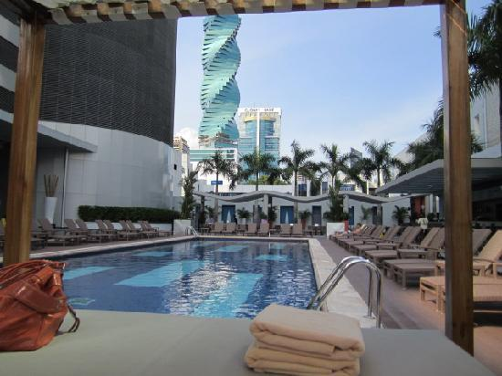 Hotel Riu Plaza Panama: The pool