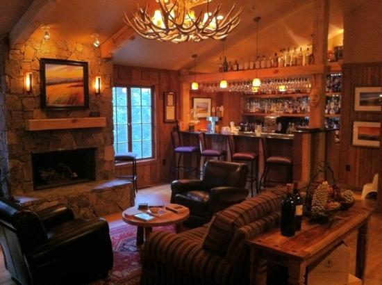 Robbinsville, Carolina del Norte: Fireside bar