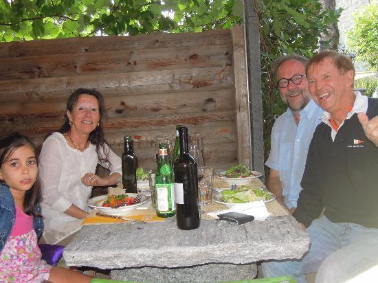 Grotto Broggini: Gemütlicher Abend bei wunderbarem Essen