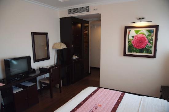 Cherish Hotel: Room