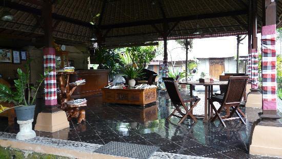 Saren Indah Hotel: Recepcion