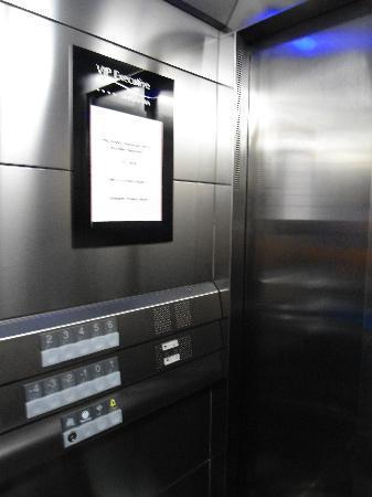 Vip Executive Saldanha Hotel: elevador