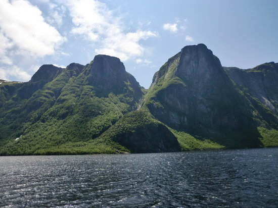 Western Brook Pond: view from the boat