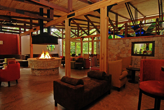 "Savegre Hotel, Natural Reserve & Spa: Our Bar & Lounge ""Los Robles"""