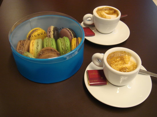 Pierre Hermé Paris : Great to go with illy coffee