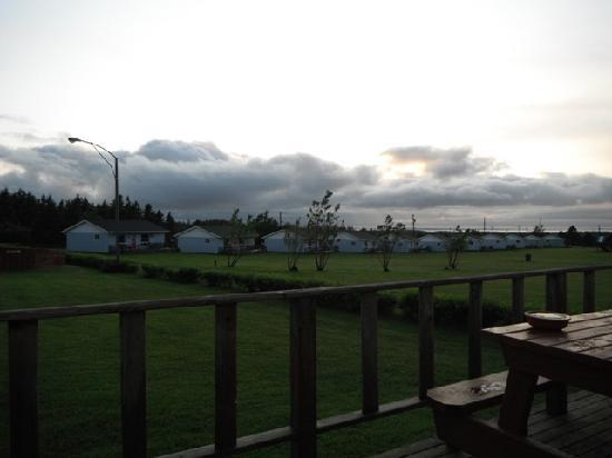 Cavendish Bosom Buddies Cottages and Suites: View from deck pre-storm