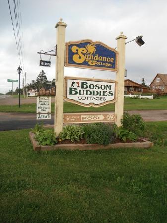 Cavendish Bosom Buddies Cottages and Suites: Entrance