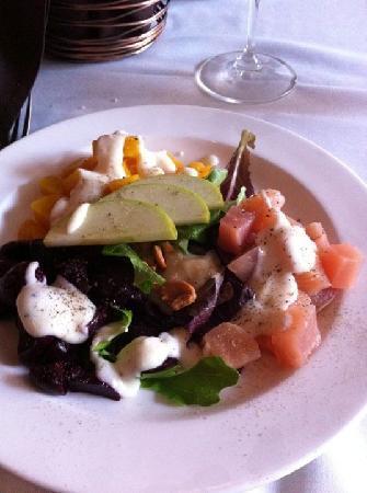 Halls Chophouse: Delicious beet salad!