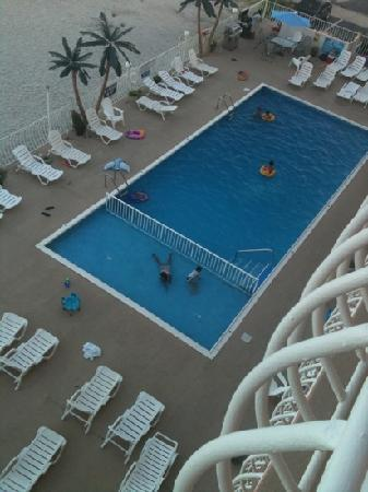 Madrid Oceanfront Condominiums: view from each room. I was on the 5th floor and u can also see the ocean right in front of u.