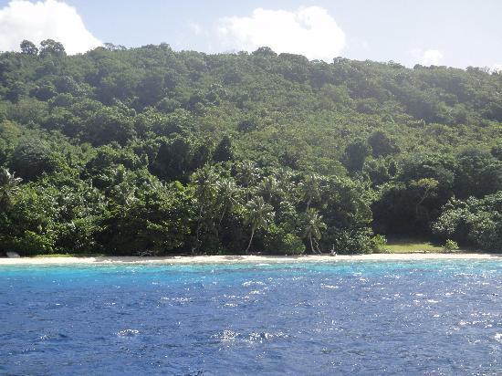 Vanuatu: Survivor Beach?