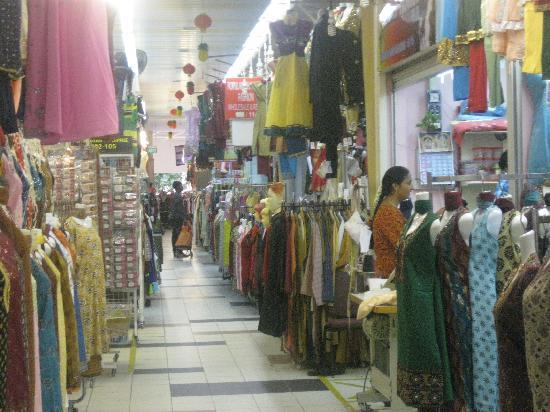 Little India, Singapur: Clothes shops in Tekka centre(2nd floor)