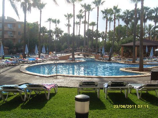 Protur Bonaire Aparthotel: big pool