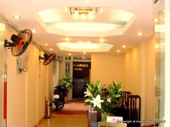 Box Hotel: Hotel lobby