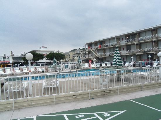 Trylon Motel: only picture of the hotel we got.