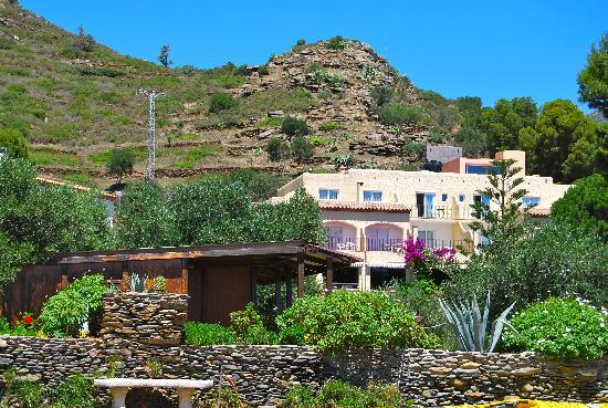 Euro Divers Spain: Cala Joncols, a traditional Spanish pension located right on the beach