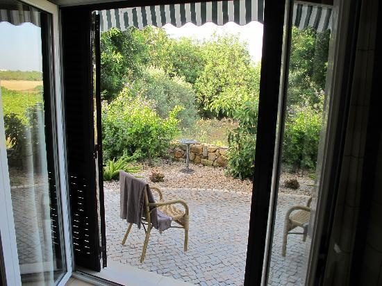 Quinta Arruba Guest House : ROOM WITH GARDEN ACCESS