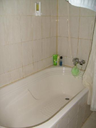 Febri's Hotel & Spa : Bathroom
