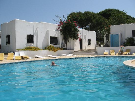 Prado do Golf : quiet relaxing pool