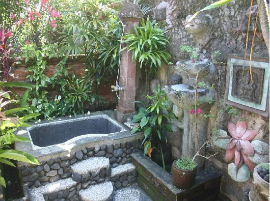 Jiwa's Homestay: Ourdoor Bath