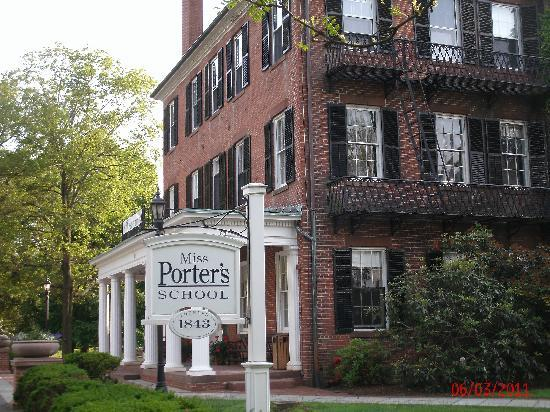 Farmington Inn : Ms. Porter's School for Girls, still in use
