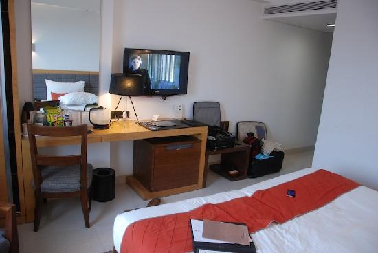 Hotel Suba International: Another view of room 302