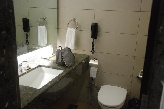 Hotel Suba International: Bathroom is clean and good