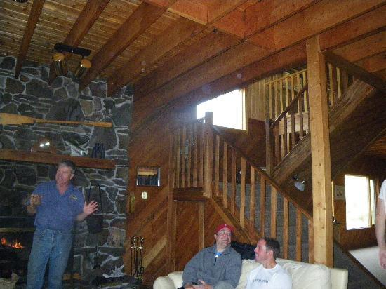 North Knife Lake Lodge: Morning coffee and sweet rolls by the fireplace