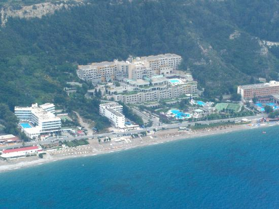 Sheraton Rhodes Resort: Got a pic of the resort from the air!