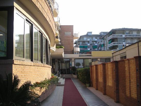 Hotel Liberty: entrata hotel