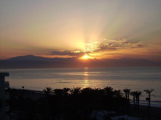 Bajondillo Apartments: zonsopgang