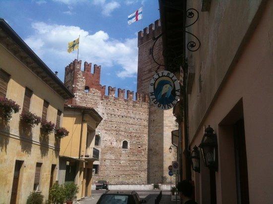 Osteria Madonnetta: vista Castello