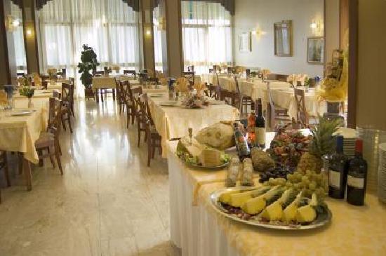 Albergo Hotel Garden Ristorante $53 ($̶7̶1̶) - Prices & Reviews ...