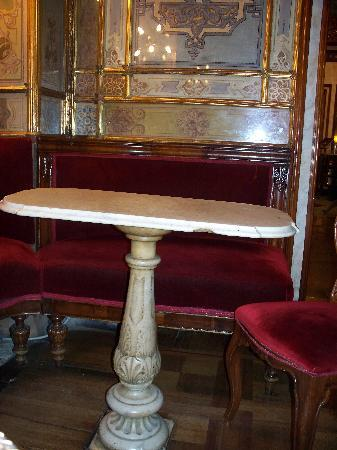 Caffe Florian Venezia: Neat Swivel Top Table
