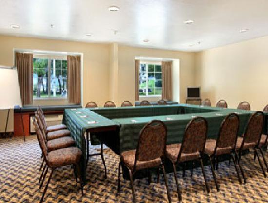Microtel Inn & Suites by Wyndham Ocala: Meeting & Hospitality Room