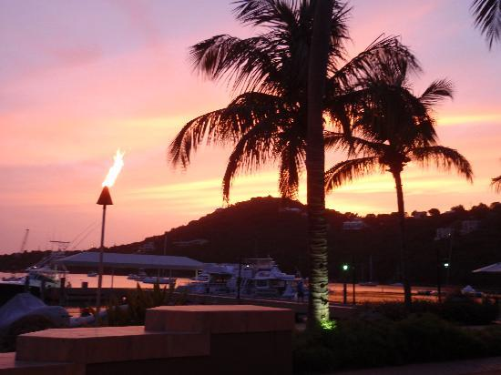 Snorkels Bar & Grill: Sunset from the Beach Cafe